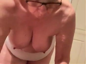 GRANNY STRIP OUT OF HER CLOTHES
