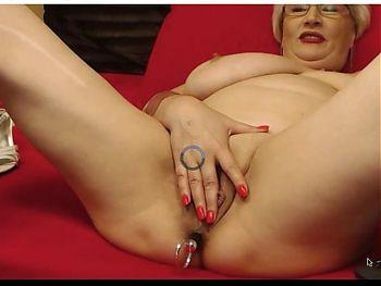 mature lady naked