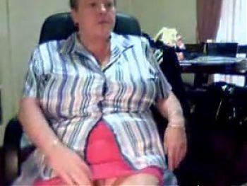 Granny on cam (secretchick)